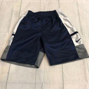 Nike Shorts SZ 4T